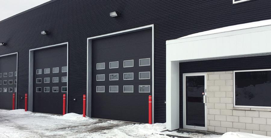 installation d'une porte de garage à coupe-froid